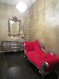 YES! faux walls and silver furniture!