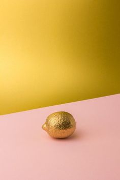 Gold & Dusky pink Photo shoot of hand colored fruits for a small installation project, André Britz of Britzpetermann