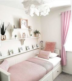 Tiny Bedroom Design, Girl Bedroom Designs, Small Room Bedroom, Room Ideas Bedroom, Home Decor Bedroom, Couple Bedroom, Box Room Ideas, Cozy Small Bedrooms, Day Bed Decor