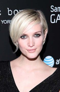 This is the haircut but now it looks too short.  take-note-studio-ashlee-simpson.jpg