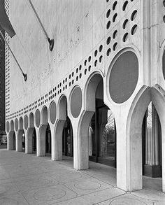 Related image Arcade Architecture, New York Architecture, Architecture Images, Space Architecture, Islamic Architecture, Architecture Details, Concrete Column, Concrete Structure, Shade Structure