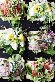 Delicious and beautiful Danish open-faced sandwiches, starting with Jarlsberg cheese and topped with 3 different toppings, including roast beef, egg and apple. Open Sandwich Recipe, Open Faced Sandwich, Danish Cuisine, Danish Food, Nordic Diet, Crostini, Bruschetta, Norwegian Food, Scandinavian Food