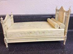 CLF dollhouse miniature rare Bespaq Edwardian bed with light yellow wild flowers #Bespaq