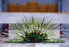 Tips On Sending The Perfect Arrangement Of Flowers – Ideas For Great Gardens Funeral Floral Arrangements, Tropical Flower Arrangements, Church Flower Arrangements, Beautiful Flower Arrangements, Church Wedding Decorations, Altar Decorations, Flower Decorations, Alter Flowers, Church Flowers
