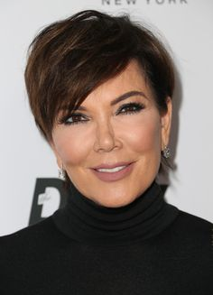 Kris Jenner Messy Cut - Kris Jenner looked punk-chic wearing this mildly messy 'do at the Fashion Los Angeles Awards.