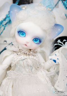 kitty Ball Joint Doll