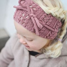 "oppskrift finner du i boka vår"". Knit Crochet, Crochet Hats, Knit Patterns, Baby Hats, Baby Knitting, Little Ones, Lana, Headbands, New Baby Products"