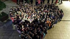 Beliebers waiting for Justin to come out. They were singing be alright for him, Beliebers for life.