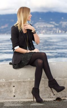 Vancouver Fashion Blogger, Alison Hutchinson, Wearing Aritzia boyfriend blazer, American Apparel Dress worn as top, Zara baroqu print skirt ...