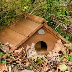 Hoggy Home / Hedgehog Habitat (made in softwood and treated with environmentally safe timber preservative) - from Wiggly Wigglers Hedgehog Box, Hedgehog Habitat, Hedgehog House, Outdoor Projects, Wood Projects, Outdoor Decor, Insect Hotel, Iris Garden, Bird Boxes