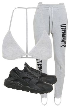 """""""Untitled #2922"""" by xirix ❤ liked on Polyvore featuring moda, Vetements, Topshop y NIKE"""