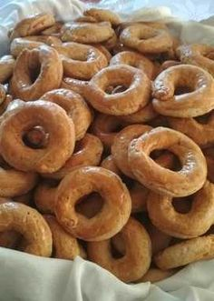 Onion Rings, Doughnut, Ethnic Recipes, Desserts, Food And Drink, Tailgate Desserts, Deserts, Postres, Dessert