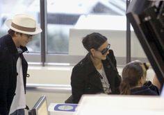 Demi Moore and Ashton Kutcher Photos - Ashton Kutcher and Demi Moore prepare to depart fom Nice Airport. - Ashton Kutcher and Demi Moore at Nice Airport