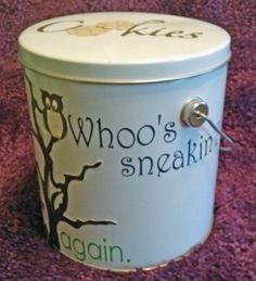 Cookie tin can by Flora  (third view)