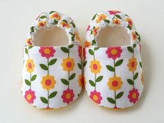 Baby Shoes - Spring Daisies