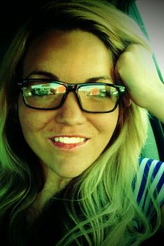 #Glasses New Glasses, Womens Glasses, Oakley, Ray Bans, Fashion Accessories, Sunglasses, My Style, How To Wear, Clothes