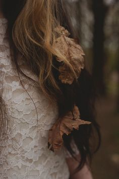Find images and videos about hair, autumn and fall on We Heart It - the app to get lost in what you love. Soft Autumn, Autumn Day, Autumn Leaves, Autumn Song, Autumn Girl, Autumn Theme, October Country, Mabon, Photos Tumblr
