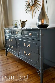painted furniture How To Spray High Gloss Oil On Furniture Spray Paint Furniture, Lacquer Furniture, Bar Furniture, Furniture Projects, Furniture Makeover, Painted Furniture, Furniture Stores, Kitchen Furniture, Painted Dressers