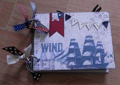 Hier das Reisetagebuch selbst, liebevoll gestaltet mit kleinen Einstecktaschen und wunderbaren Details.