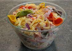 Chleba naszego: Sałatka makaronowa Hot Dog, Cabbage, Vegetables, Food, Veggies, Vegetable Recipes, Meals, Cabbages, Yemek