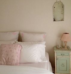 Shabby Chic Bedrooms, Shabby Chic Homes, Shabby Chic Decor, Bedroom Inspo, Bedroom Decor, Shabby Chic Couture, Cute Furniture, Romantic Room, Simply Shabby Chic