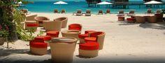 Occupant un emplacement idéal entre la plage et la piscine idyllique, le bar de la plage Ta Ie Ie propose toute une gamme de collations alléchantes et de cocktails exotiques.