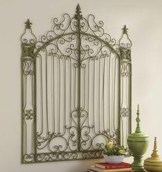 Gorgeous garden gate... Gives me ideas for my own garden!