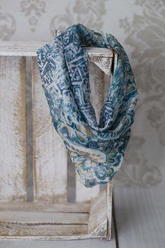 Nowości w naszym sklepie ! Mała, elegancka apaszka z jedwabiu - idealna na prezent ♥ Silk scarves from India - large selection of designs - perfect for gift / Seidentücher aus Indien - große Auswahl an Designs - ideal für Geschenk #boho #bohostreetwear #silk #design #girl #perfectgift #geschenk #ethno #hippie #bohemian #seidenschal #orient #new