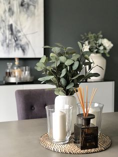 Table Decorations 89365 How to create DIY Board and Batten wall panelling Interior Design Blogs, Home Design, Interior Decorating, Diy Interior, Interior Colors, Blog Design, Diy Design, Decoration Bedroom, Decoration Table