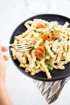 Pasta recipe with baked vegetables and simple roasted garlic vinaigrette | pasta salad recipes | | pasta sauce recipes | | pastas | | pastas & noodles | noodles | | noodles recipes |  http://www.piloncilloyvainilla.com/