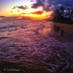 Oh to walk on the beach with this sunset!