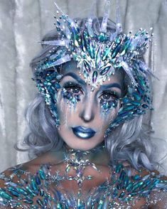15 Scary but Beautiful Crystal Skull Halloween Makeup, Snow Makeup, Ice Makeup, Ice Queen Makeup, Winter Makeup, Scary Makeup, Frozen Makeup, Schnee Make-up, Ice Queen Costume, Frozen Costume