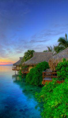 Papetō'ai on Moorea Island near Tahiti in French Polynesia • ARK Photography on Panoramio