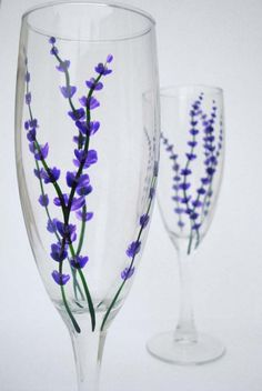 Sweet little lavender buds to enjoy with your bubbly. Ive hand-painted delicate stems of lavender with non-toxic glass paint. The flutes are dishwasher safe and are perfect for everyday toasting! In person youll see the tiny detail of two-toned lavender buds. These flutes will be shipped with a sachet of natural dried lavender so youll get a double dose of relaxation to enjoy with your champagne. Cheers to Spring! Check out more of my work here: http:\/\/www.etsy.com\/shop\/marywibis T...