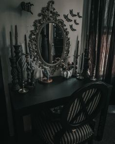 Victorian Home Decor, Goth Home Decor, Victorian Homes, Gothic Interior, Gothic Aesthetic, Vanity Area, Gothic House, Sweet Home, Mirror
