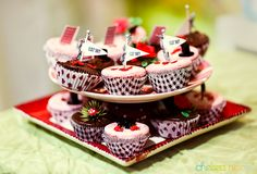 Mad hatters tea party cupcakes