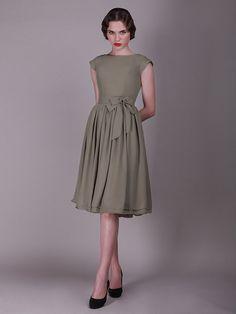 A-line/Princess Slagträeau/Båtringning Knee-length Chiffong Bridesmaid Dress