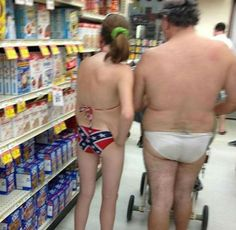 20 People Who Are DEFINITELY From Walmart
