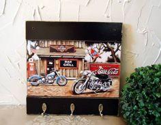 Peça em mdf com pintura envelhecida e decoupage.  Fazemos em outras cores e modelos.R$ 34,81