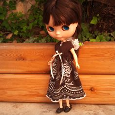 Brown dress for Blythe by RainbowDaisies on Etsy