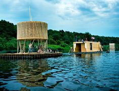 finnish firm rintala eggertsson architects designed 'kaluga floating sauna' as part of the 'festival of landscape objects' held in russia in Floating Architecture, Bamboo Architecture, Floating Boat Docks, Floating In Water, Floating Garden, Floating House, Natural Swimming Pools, Natural Pools, Bamboo Structure