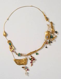 Hermann Junger, Necklace, 1957, gold 1000/750, rubies, sapphires, moonstone, culture pearls, enamel, emeralds, Die Neue Sammlung - The International Design Museum, Munich