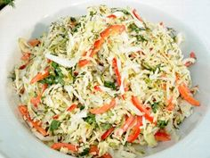 """Adam Perry Lang prepares his green apple, cabbage and caraway slaw recipe for """"Good Morning America. Gma Recipes, Summer Recipes, Wine Recipes, Holiday Recipes, Salad Recipes, Favorite Recipes, Holiday Foods, Wolfgang Puck Recipes, Roasted Tomatoes"""