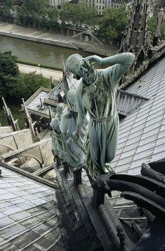 Fifty years ago, we published an ode to Paris' most famous cathedral. St Thomas, Tour Eiffel, Versailles, Paris France Travel, Romantic Paris, Types Of Photography, 14th Century, Paris Street, Amazing Architecture