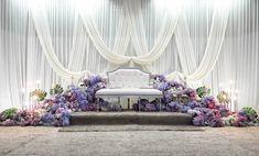 Wedding Backdrop Design, Wedding Reception Backdrop, Wedding Stage Decorations, Wedding Chairs, Wedding Themes, Wedding Styles, Party Themes, Arab Wedding, Purple Themes