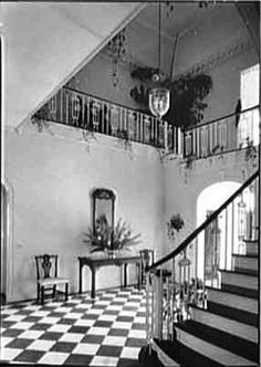 The Glam Pad: The Lauders' Palm Beach Mansion: A Snapshot in Time   Entrance hall, 1940. Photo: Library of Congress.