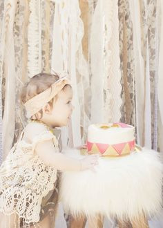 First birthday. Smash cake. Bohemian chic. Arrows. Feathers. Baby girl. Summer. Photography.