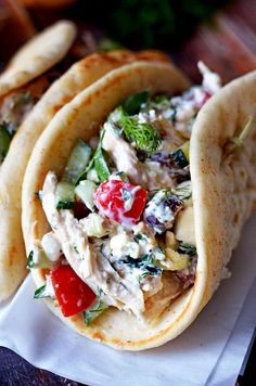 For a lighter dinner, assemble a Greek tzatziki chicken salad. Layered with Mediterranean-inspired ingredients, this sandwich tastes amazing inside toasted pita instead of bread. Tzatziki Chicken, Summer Salads, Greek Recipes, Chicken Salad, Mexican, Tacos, Greek Food Recipes