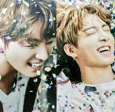 Jungkook - his smile is everything and Jimin Jungkook, Bts Jin, Bts Bangtan Boy, Namjoon, Taehyung, Park Ji Min, Jung Kook, Bts Memes, Rap