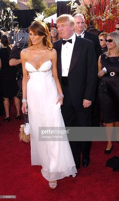 Before Melania Knauss married Donald Trump in she was just a fashion model from Slovenia. She got invited to many a Met Gala, Sex and the City red carpet Donald Trump Family, Donald And Melania Trump, First Lady Melania Trump, Trump Melania, Melinia Trump, Pro Trump, Fashion Photo, Fashion Models, Low Cut Dresses